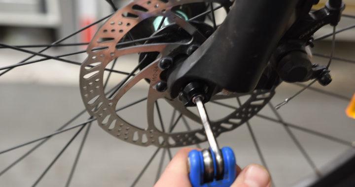 ta bort bakhjul cykel